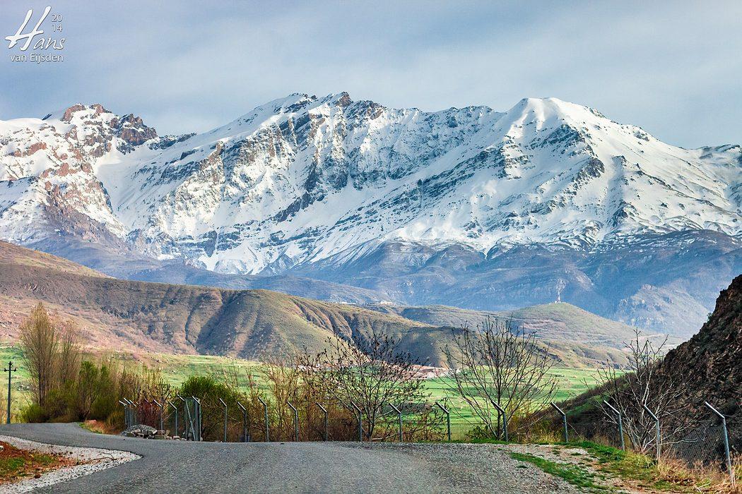 Halgort Mountains (HvE-20140402-8599)